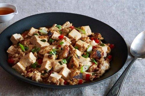 Pavo salteado con tofu